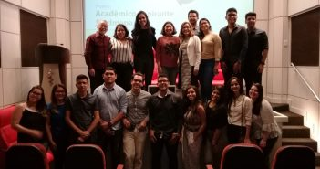 Estudantes recebem carteiras do projeto Acadêmico Aspirante
