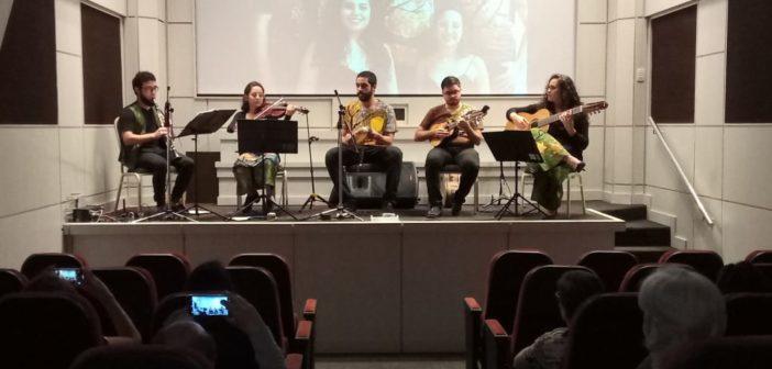 Quinteto Caxangá encanta no cineteatro do Sindmepa